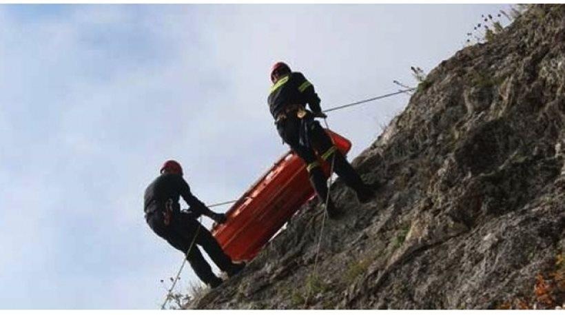 Θανατηφόρο τροχαίο: Νεκρός πατέρας 4 παιδιών μετά από πτώση σε χαράδρα