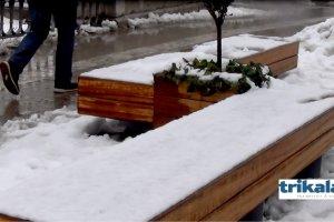 Η νέα χιονόπτωση στα Τρίκαλα (βίντεο)