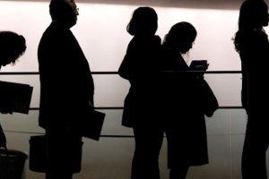 ΟΟΣΑ: Ένας στους δύο Έλληνες δεν είχε δουλειά