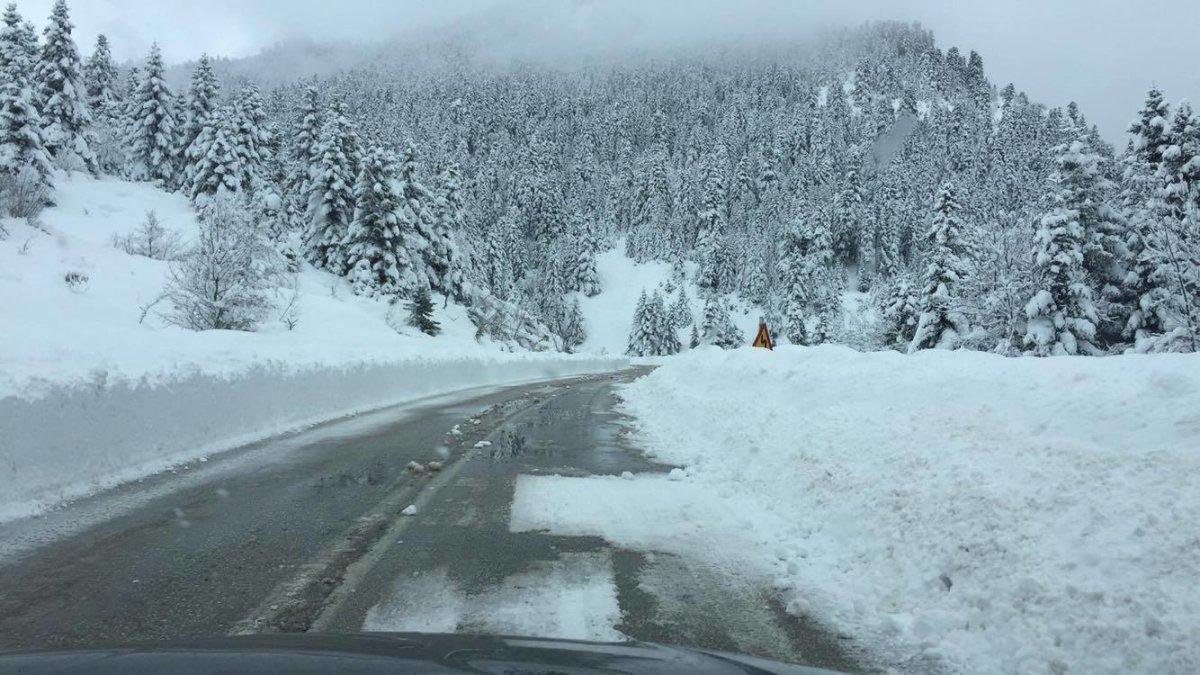 Καιρός στη Θεσσαλία: Βροχές και χιόνια σε περιοχές με χαμηλό υψόμετρο