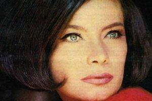 H 16χρονη κούκλα εγγονή της Τζένης Καρέζη