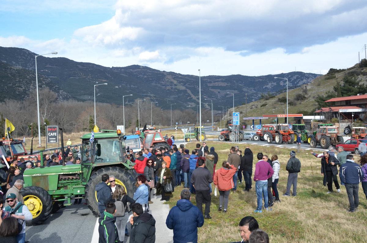 Οι αγρότες σύρονται ξανά στα δικαστήρια για τις κινητοποιήσεις των Τεμπών του 2016