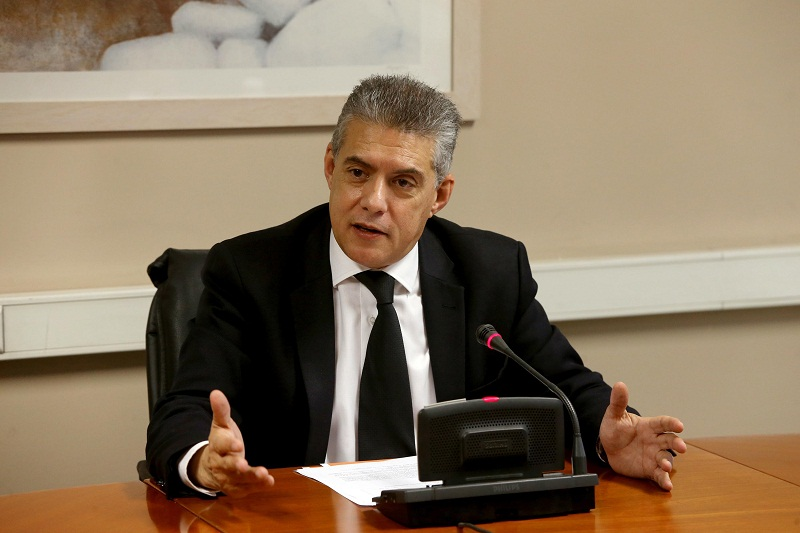 Αγοραστός: Η κυβέρνηση επιβάλλει στην Αυτοδιοίκηση «καθαρή παραμονή» σε μνημονιακή λιτότητα