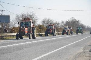 Αποχώρησαν οι αγρότες από το μπλόκο της Νίκαιας (ΦΩΤΟ)