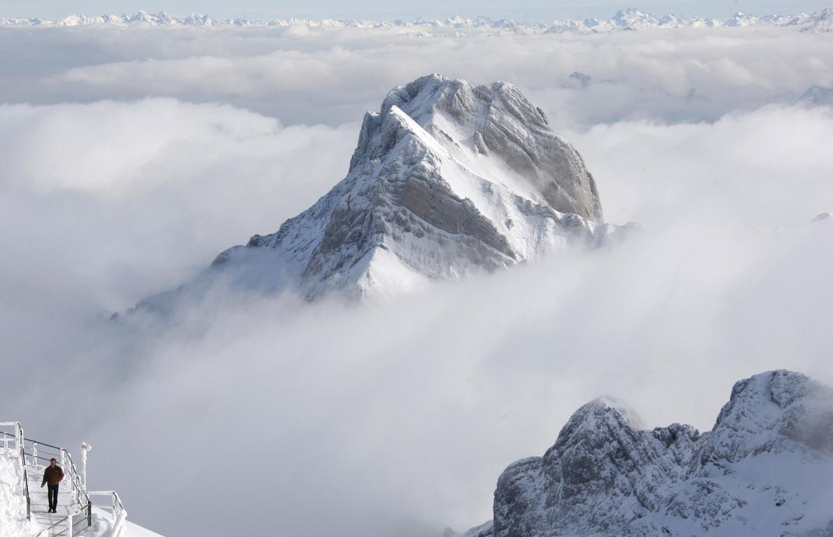 Τέσσερις άνθρωποι πάγωσαν στις ελβετικές Άλπεις, άλλοι πέντε σε σοβαρή κατάσταση