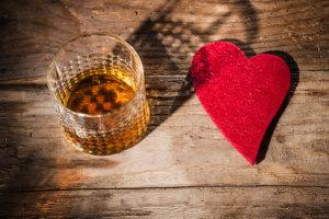 Το αλκοόλ βλάπτει την επιδερμίδα μας