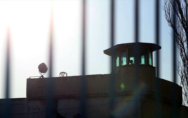 Συμπλοκή με τραυματία στις φυλακές