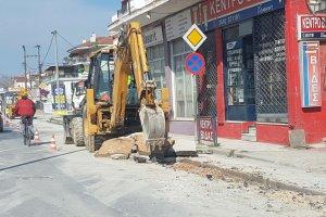 Εργασίες σε εξέλιξη στην οδό Βόλου (ΦΩΤΟ)