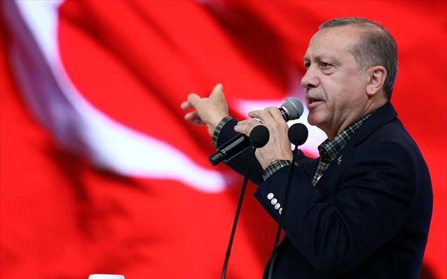 «Νικητής ο Ερντογάν, ξεπερνά το 50%» δηλώνει ο εκπρόσωπος της κυβέρνησης – Αμφισβητεί η αντιπολίτευση