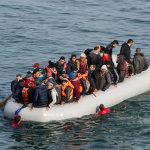 Εντοπίστηκε σκάφος με μετανάστες
