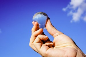 Τέλος στα πλαστικά μπουκάλια νερού – Ερχονται οι «φούσκες»