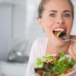 Διατροφή και σωστή δίαιτα: Σίγουρα πιστεύετε αυτούς τους τρεις μύθους, αλλά κάνετε μεγάλο λάθος
