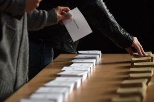 Παράταση μιας ώρας στην ψηφοφορία