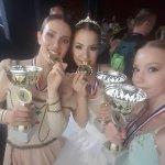 «Χρυσά κορίτσια» της Δημοτικής Σχολής Μπαλέτου και της Ανώτερης Σχολής Χορού