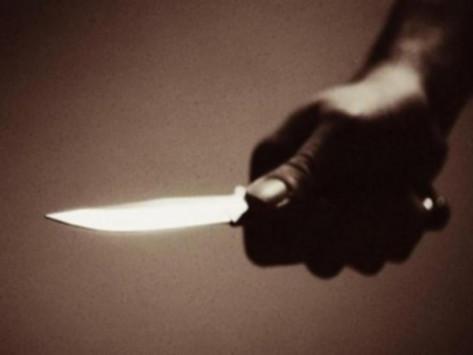 Έβγαλε μαχαίρι για ασήμαντο λόγο – Στο νοσοκομείο νεαρός άνδρας
