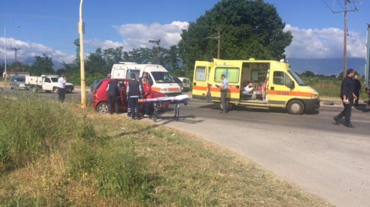 Δύο γυναίκες σοβαρά τραυματισμένες σε τροχαίο ατύχημα το πρωί στα Τρίκαλα (ΦΩΤΟ)