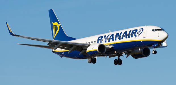 Πάνω από 100 προσλήψεις με μισθό 1.200 ευρώ στη Ryanair