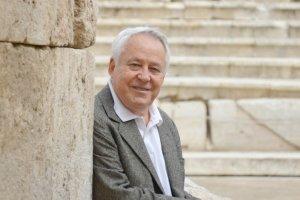 Γιώργος Ζιάκας: «Γεννήθηκα για να γίνω σκηνογράφος»