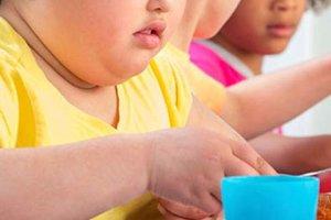 Τα υπέρβαρα παιδιά κινδυνεύουν να εκδηλώσουν κατάθλιψη ως ενήλικες