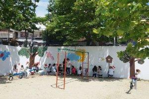 Ζωγραφίζοντας τους τοίχους…