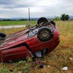 Αυτοκίνητο «εκτοξεύτηκε» από τον δρόμο (ΦΩΤΟ)