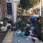 «Βουνά» από σκουπίδια… πνίγουν τη Λάρισα (ΦΩΤΟ)