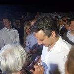 Στη Λάρισα με νέους ο Κυριάκος Μητσοτάκης (φωτό)
