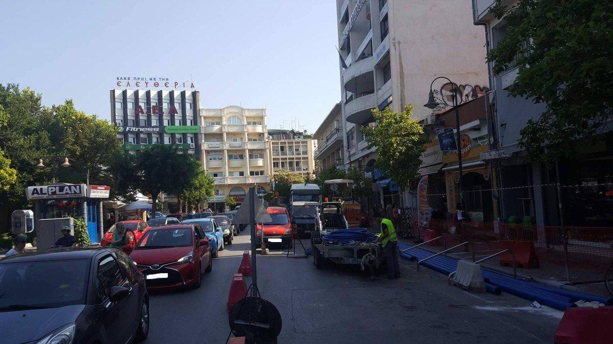 Λάρισα: Ξεκίνησαν τα έργα στην οδό Μεγ. Αλεξάνδρου (ΦΩΤΟ)