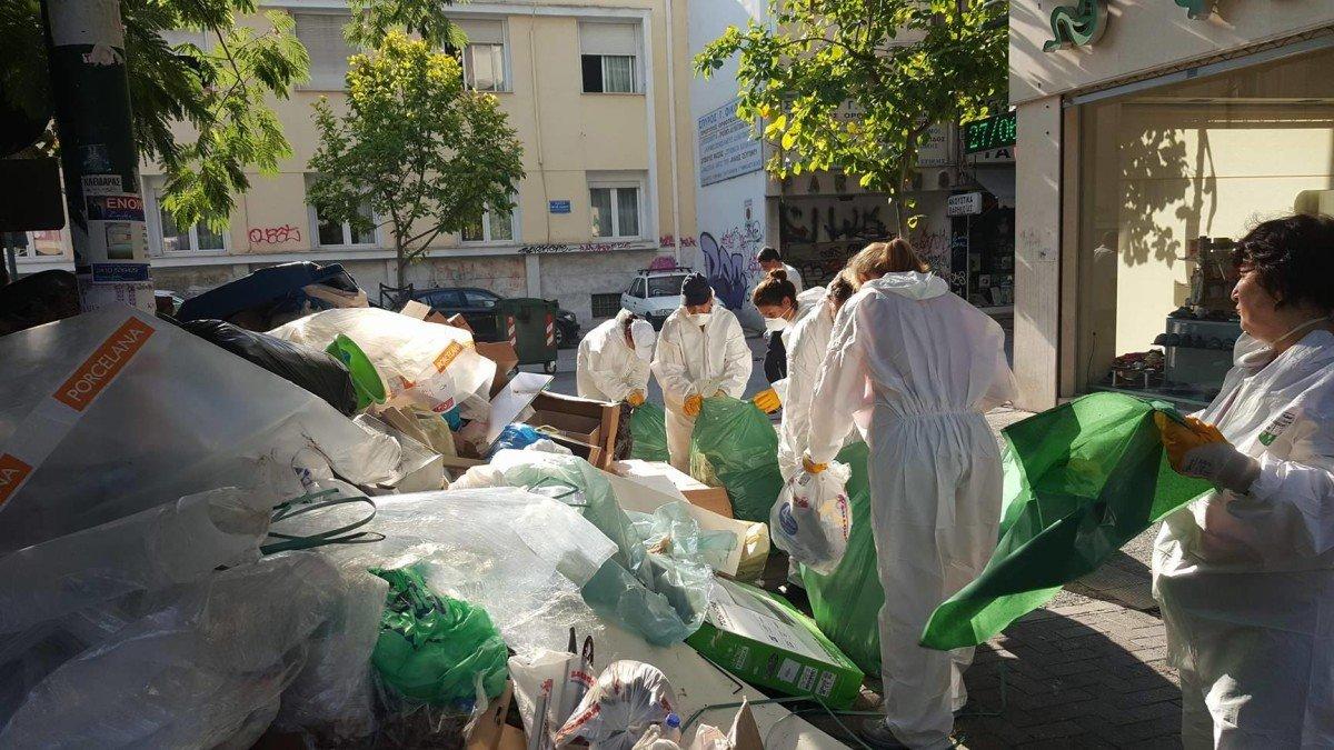Συνεργεία του Δήμου Λαρισαίων συσκευάζουν τους σωρούς των σκουπιδιών - Θα ακολουθήσουν ψεκασμοί