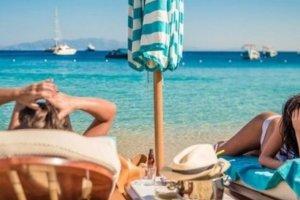 Τα νησιά που επιλέγουν οι celebrities της ελληνικής showbiz