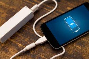Έρχονται τα κινητά που θα χρειάζονται μια φόρτιση ανά… τρεις μήνες