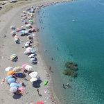 «Πλημμύρισαν» με κόσμο τα παράλια του ν. Λάρισας (ΦΩΤΟ)