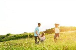 Τα παιδιά μονογονεϊκών οικογενειών έχουν εξίσου καλή ανάπτυξη όπως τα παιδιά με δύο γονείς