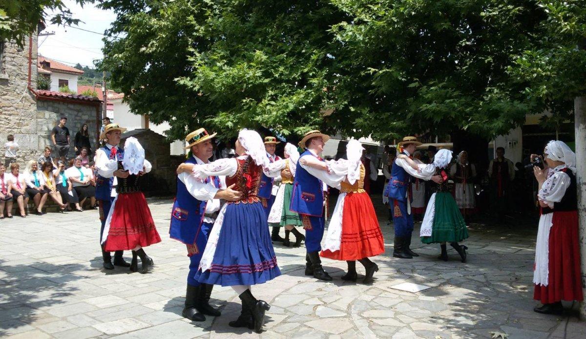 Στην Καλλιπεύκη το 2ο Διεθνές Φεστιβάλ Παραδοσιακών Χορών (ΦΩΤΟ)