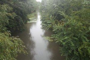 «Φούσκωσε» ο Πηνειός στη Λάρισα (ΦΩΤΟ)