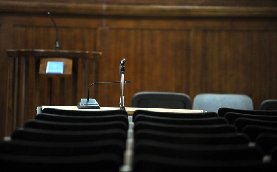 Βεντέτα στα Γλυκά Νερά -Ενταση στη δίκη της δολοφονίας του 20χρονου Γαλαζούλα