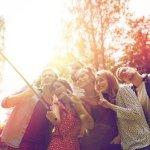 Ποια πόλη του κόσμου απαγόρευσε τα selfie sticks