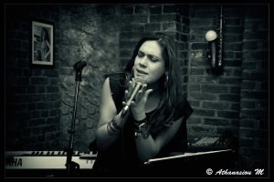 Αρετή Παπαναστασίου: «Υπάρχει κοινό που ακούει καλή μουσική»