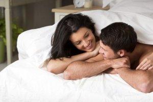 Γιατί κάνουμε σεξ κυρίως τη νύχτα;