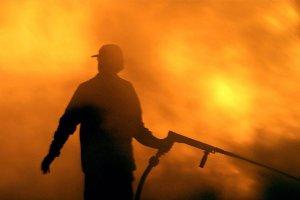 Το συγκλονιστικό μήνυμα πυροσβέστη: Μας ξέχασε ο Θεός