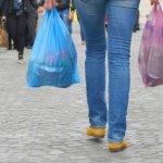 Τέλος η δωρεάν πλαστική σακούλα