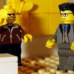 Μία έκκληση στο διαδίκτυο για… Lego, έφερε εκατοντάδες κούτες