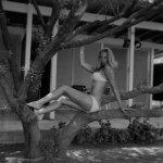 Σπάνιες ασπρόμαυρες φωτογραφίες της Ζωής Λάσκαρη