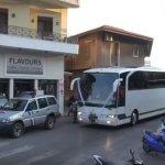 19 λεωφορεία συνόδευσαν το γαμπρό στην εκκλησία
