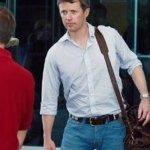 Ο πρίγκιπας διάδοχος της Δανίας Φρέντερικ «έφαγε πόρτα» σε παμπ