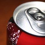 Καταπολέμηση της παχυσαρκίας με λιγότερη ζάχαρη στα αναψυκτικά
