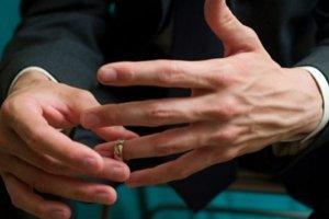 Απιστία: Πιο άπιστα τα μοναχοπαίδια