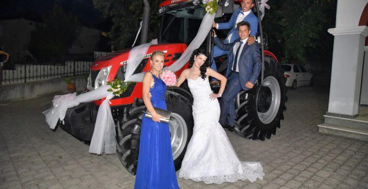Πήγε η νύφη στην εκκλησία με το... τρακτέρ στο Γριζάνο Τρικάλων