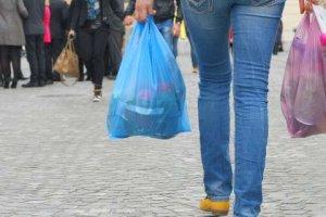 Ένας χρήσιμος οδηγός για την χρήση της πλαστικής σακούλας και τη νέα νομοθεσία