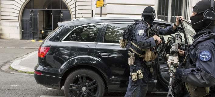 Παρίσι: Βρήκαν εκρηκτικά σε διαμέρισμα